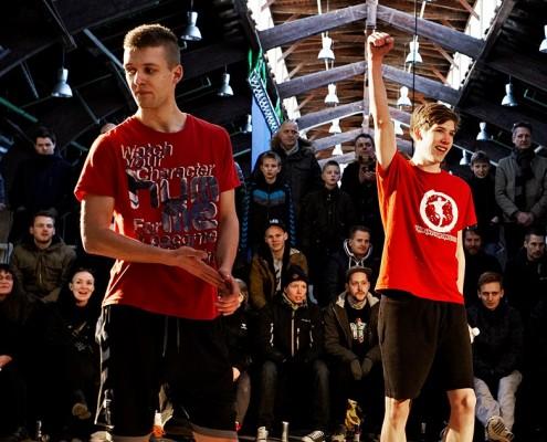 Simon efter han er er blevet erklæret vinder af semi-finalen ved RBSS 2013